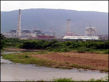 River Vamsadhara flows past the Vedanta alumina refinery in Lanjigarh, Orissa, September 2009 (Photo: Amnesty International)
