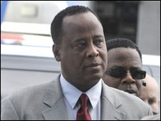Dr Conrad Murray arrives in court, 08 Feb