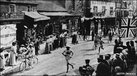 1908 Olympics marathon event between Windsor and White City Stadium
