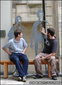 Laser portrait benches