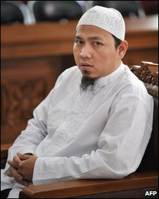 Abdillah at South Jakarta court, 10 February 2010