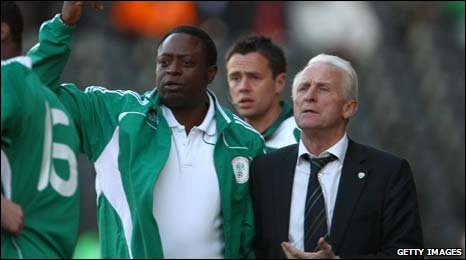 Former Nigeria coach Shaibu Amodu (left) with Republic of Ireland manager Giovanni Trappatoni