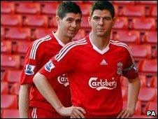 Steven Gerrard and his waxwork