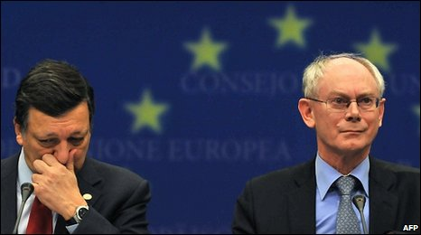 European Commission President Jose Manuel Barroso (L) and EU President Herman Van Rompuy