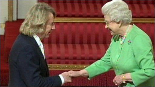 Status Quo and the Queen