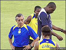 Gabon coach Alain Giresse with Gabon players during the Nations Cup
