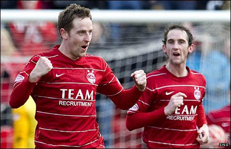 Aberdeen players Steven MacLean and Mark Kerr