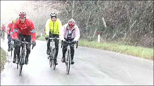 Lawrence Dallaglio's cycle slam team struggle in snowy conditions in Italy