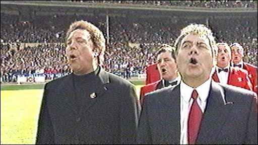 Tom Jones and Max Boyce at Wembley in 1999