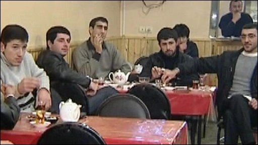 Azeris in a cafe