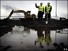 Justice secretary Kenny MacAskill and Councillor Douglas Yates on a visit to the site