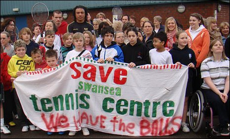 Campaigners fighting to save Swansea Tennic Centre