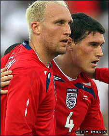 Dean Ashton (left) and Gareth Barry