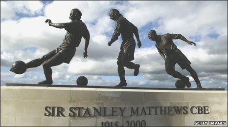 Sir Stanley Matthews statue