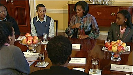 Michelle Obama and pupils
