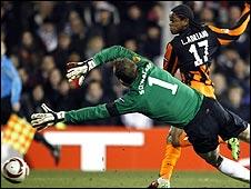 Luiz Adriano scores for Shakhtar
