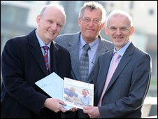 Michael McGimpsey (left) with Dr Philip McGarry (right) and Dr Frank Holloway (middle)