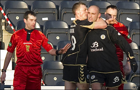 St Mirren players David Barron and Billy Mehmet