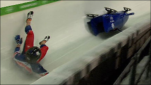 GB crash in two-man bobsleigh