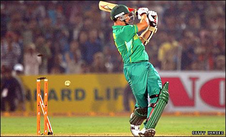 Dale Steyn is bowled by Praveen Kumar