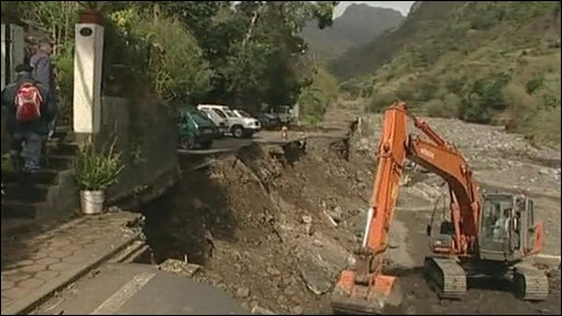 Digger begins clear up in Madeira