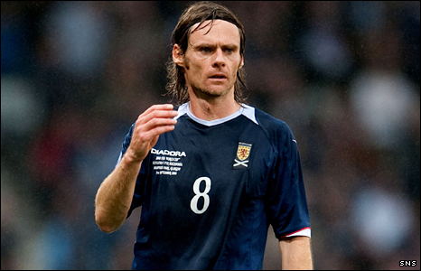 Burnley and Scotland midifelder Graham Alexander