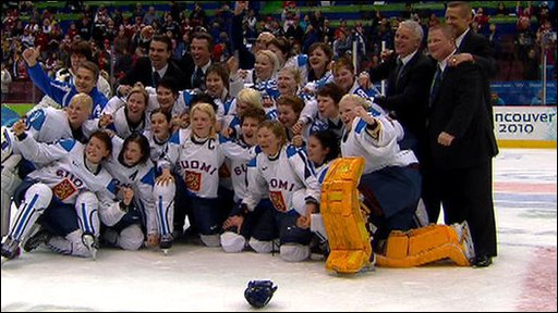 Victorious Finland women's ice hockey team