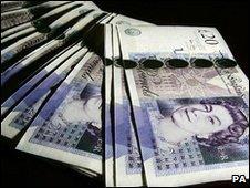 Fan of £20 notes