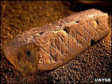 Etched ochre blocks from Blombos (UNSYB)