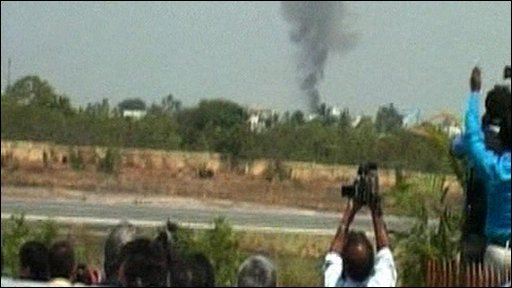Photographers capture the moment a plane crashed into a building during an Indian airshow