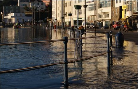 High tide hits St Peter Port