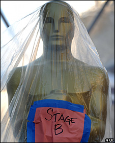 An Oscar statue for the stage