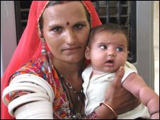 Mother and child in Barmer, Rajasthan