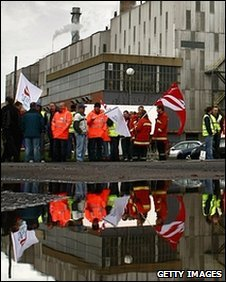 Workers picket at the Grangemouth oil refinery as they strike over a pension dispute April 28, 2008