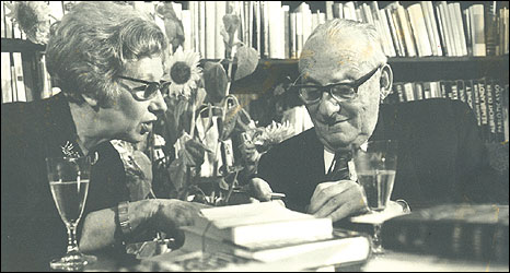 Esther Hoffe and Max Brod 1968 (Photo courtesy of Eva Hoffe)