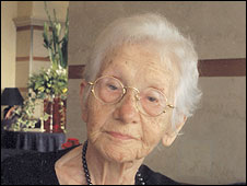 Esther Hoffe, aged 99 (Photo courtesy of Eva Hoffe)
