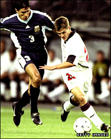 Michael Owen holds off an Argentina defender in 1998