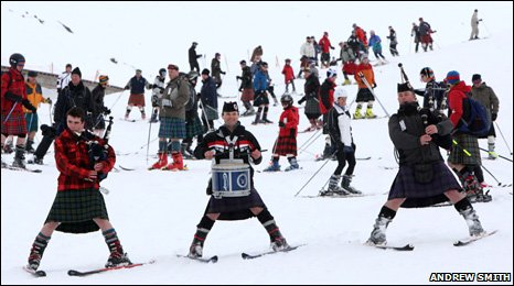 Skiers in kilts/Pic: Andrew Smith
