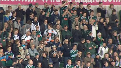 Plymouth Argyle fans applause for Michael Foot