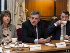 Harriet Harman, Gordon Brown and Lord Mandelson at a meeting with female executives