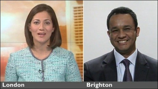 Misahel Husain speaks to Anies Baswedan