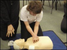 School Reporters try first aid