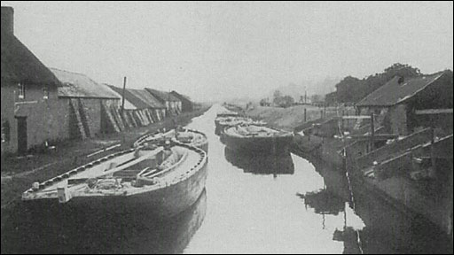 Archive image (Stover Canal Trust)