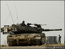 Israeli tank on Gaza border - 2010