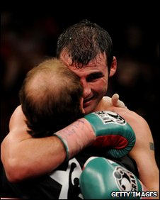 Joe Calzaghe embraces did Enzo