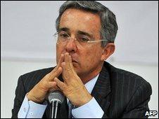 Alvaro Uribe (25.02.10)