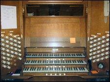 Walker Organ
