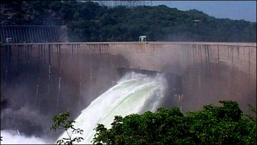 Kariba dam flood gates
