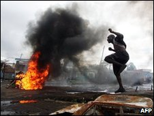 Burning car in Nairobi, January 2008