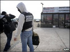 Police at the site of a shooting in which a French policeman was  killed, 17 March 2010